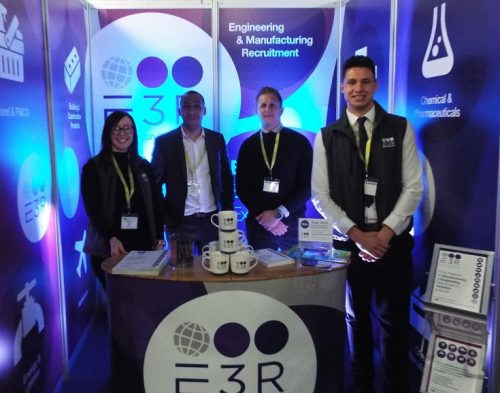 Team on stand rs